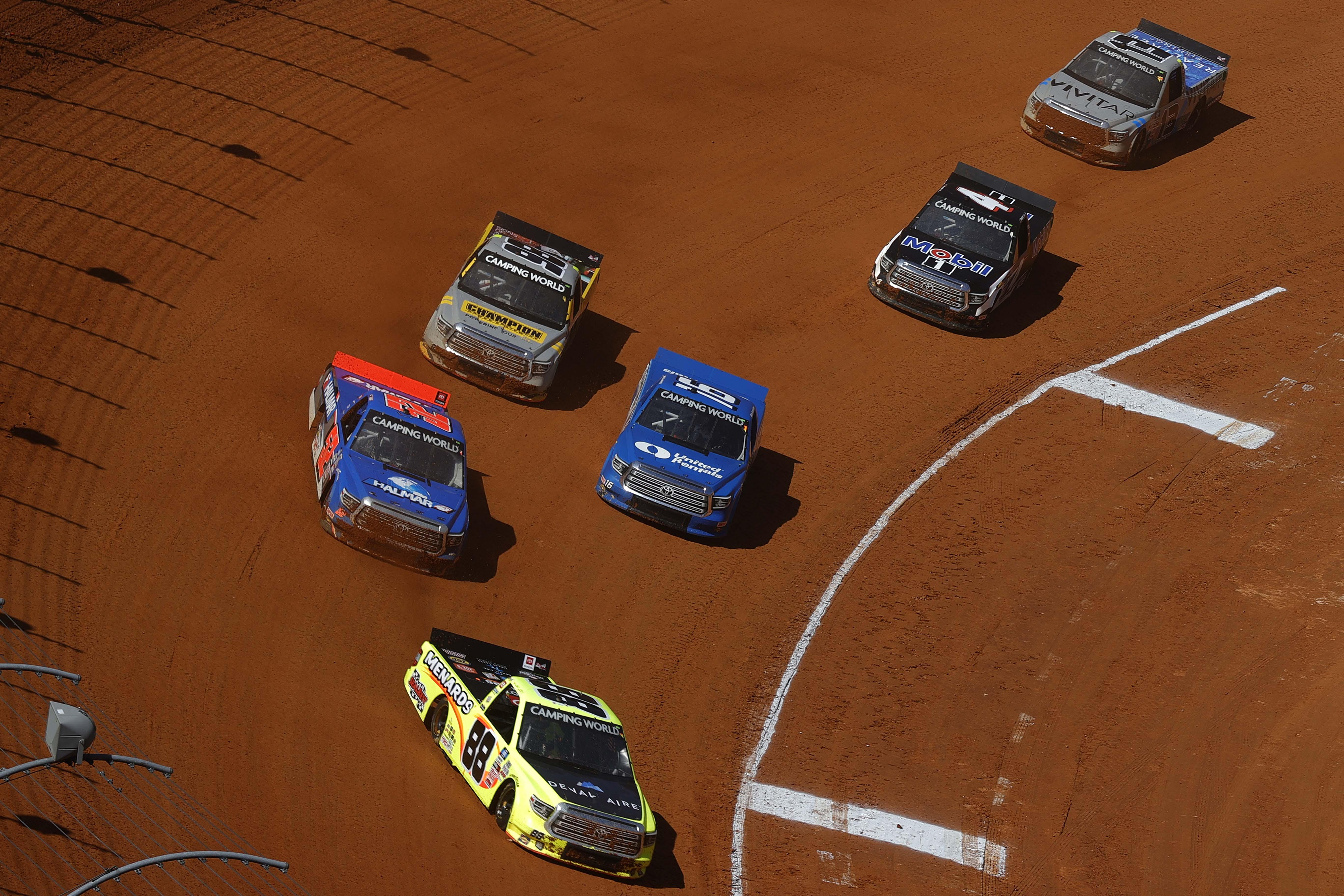 Matt Crafton, Stewart Friesen, Austin Hill, Grant Enfinger and John Hunter Nemechek - Bristol Dirt Track - NASCAR Truck Series