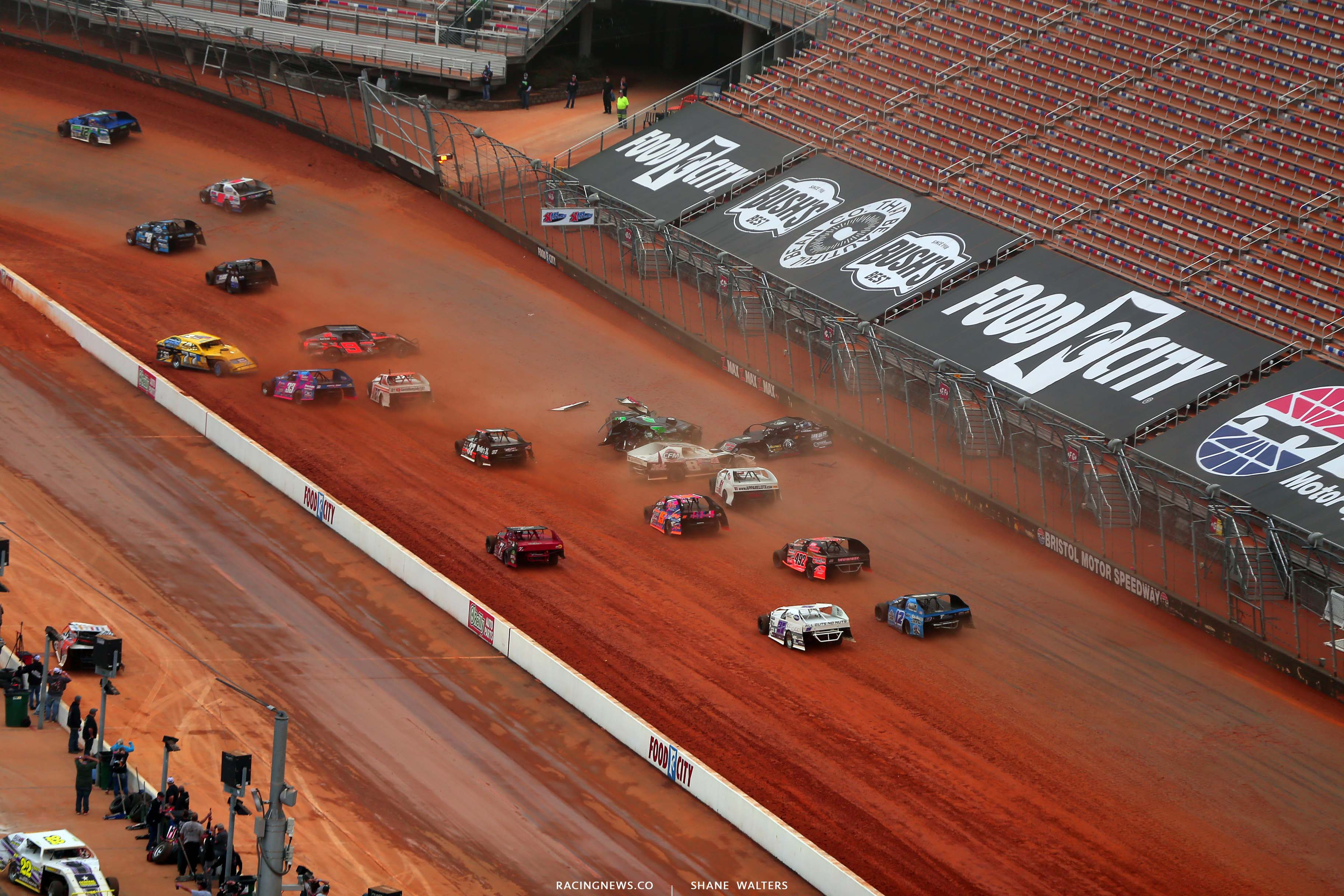 Q - Dirt modified crash at Bristol Motor Speedway dirt track
