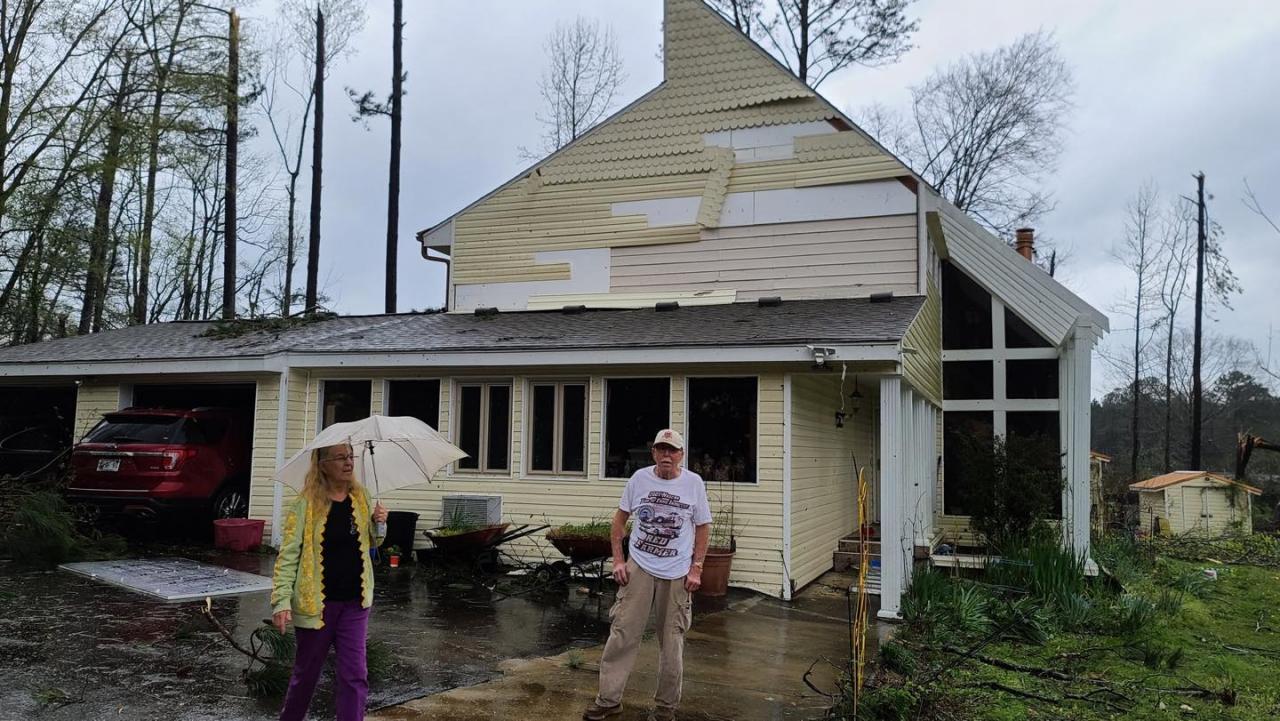Red Farmer House -Tornado