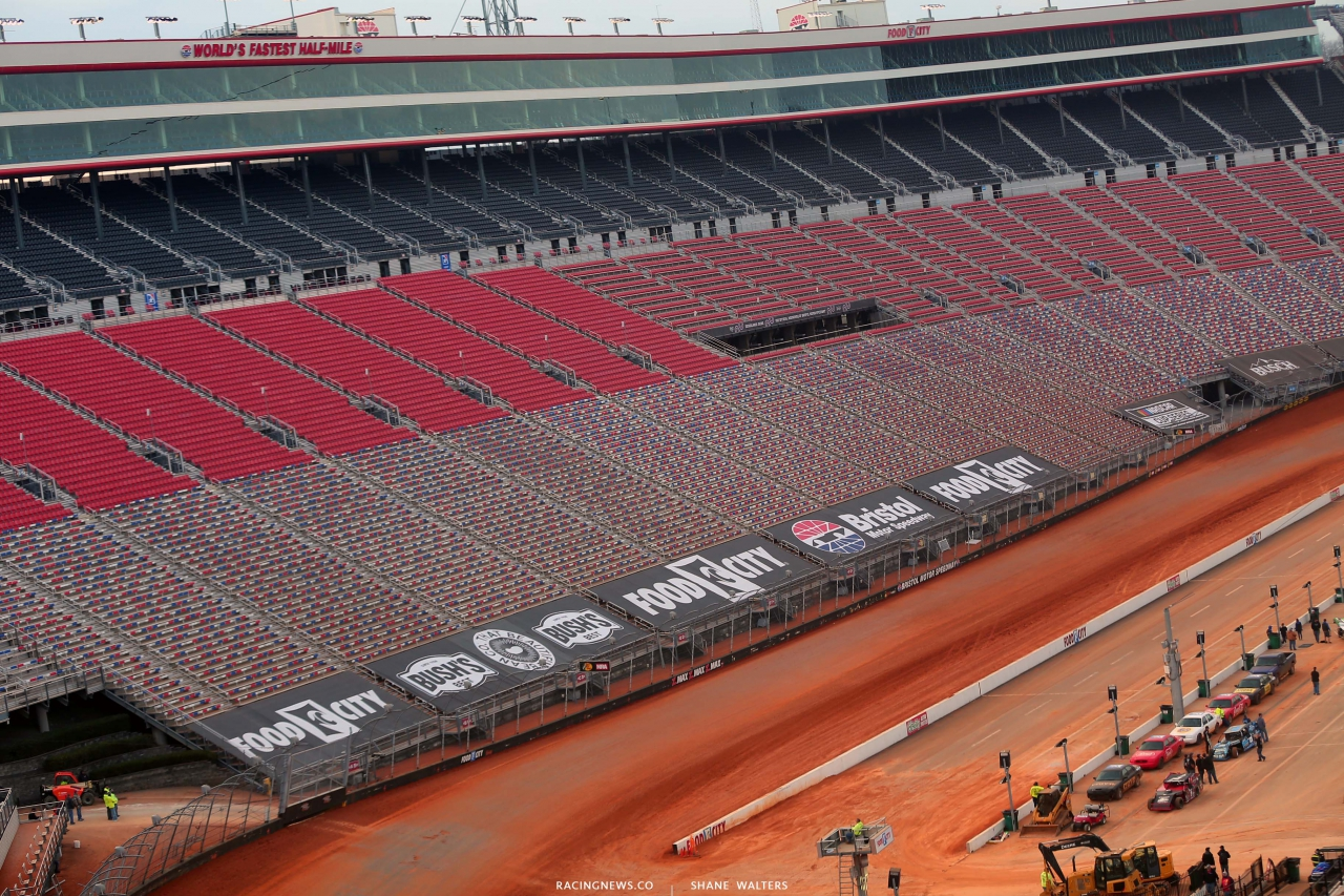 World's Fastest Half Mile - Bristol Motor Speedway - NASCAR Dirt Track