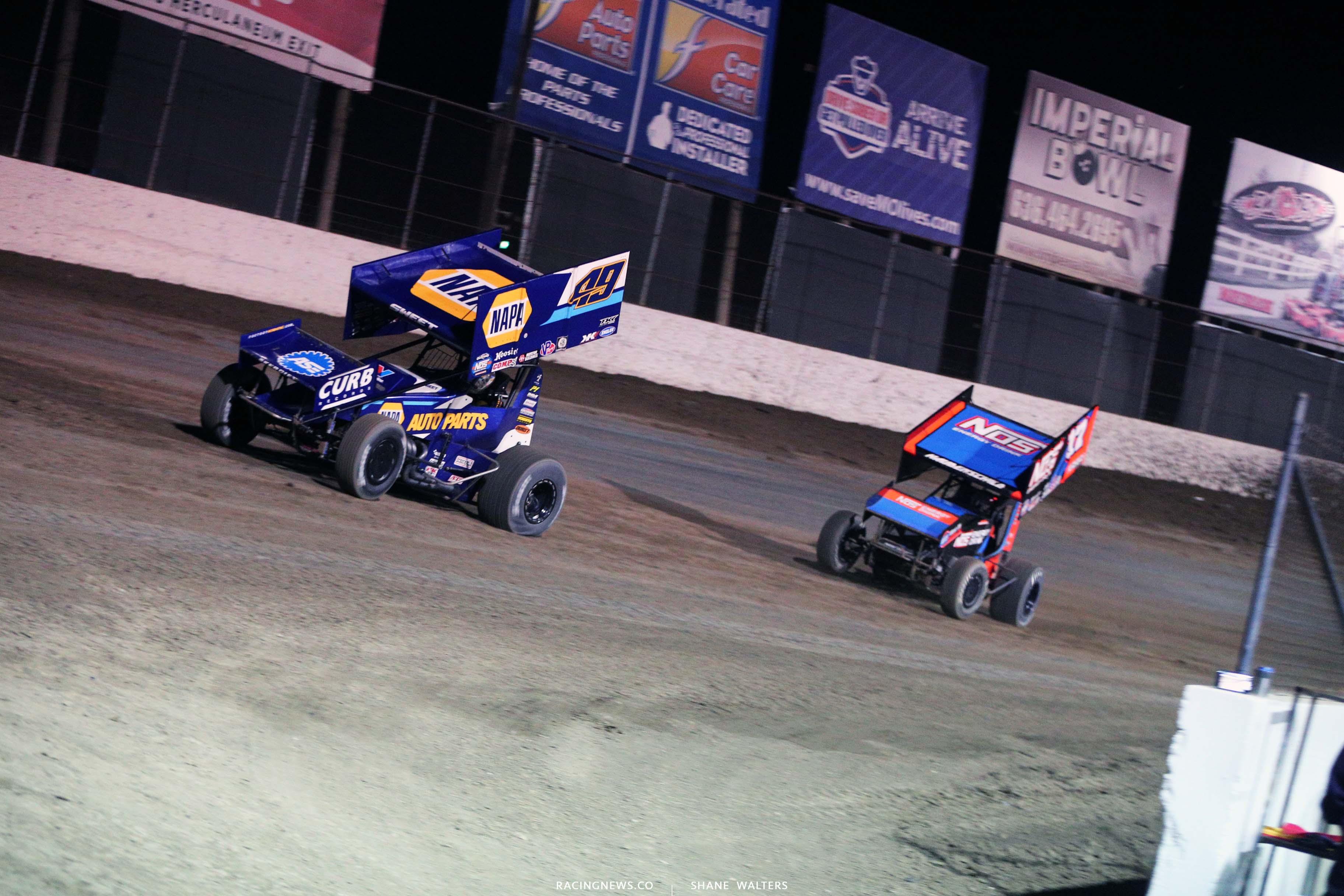 Brad Sweet and Sheldon Haudenschild - World of Outlaws Sprint Car Series - I55 Raceway 3432