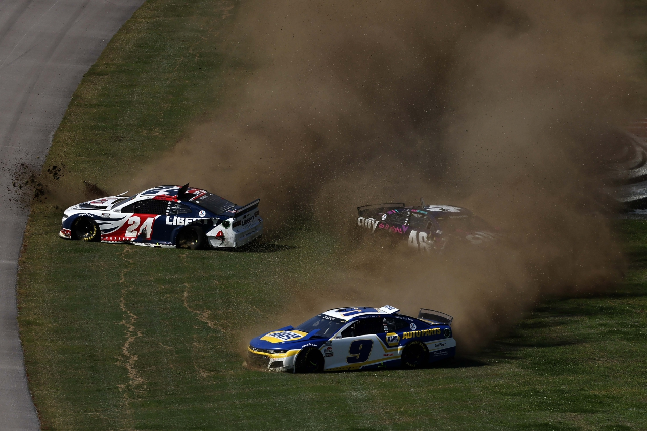 Chase Elliott, William Byron, Alex Bowman crash at Talladega Superspeedway - NASCAR Cup Series - Hendrick Motorsports