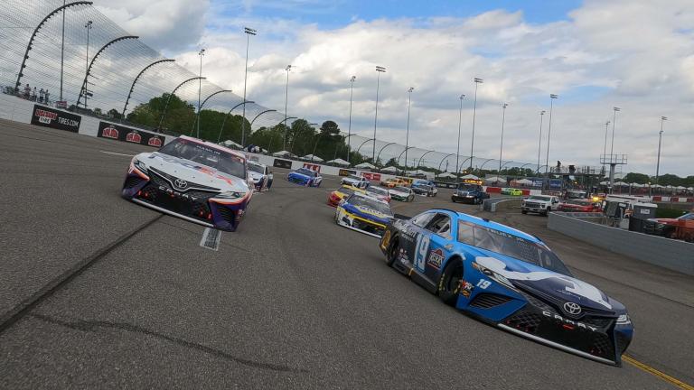 Denny Hamlin, Martin Truex Jr - NASCAR Cup Series - Richmond Raceway