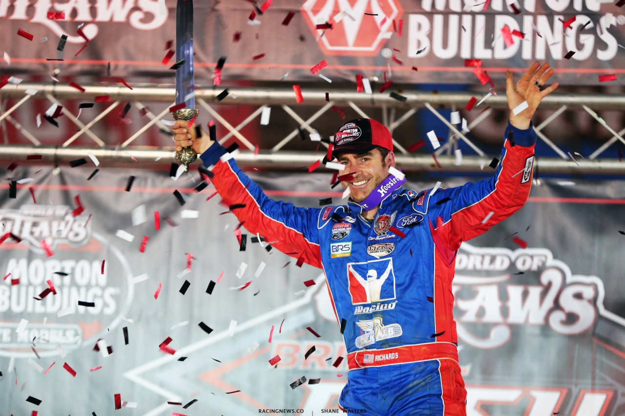 Josh Richards in victory lane at Bristol Motor Speedway - World of Outlaws Late Model Series 3898