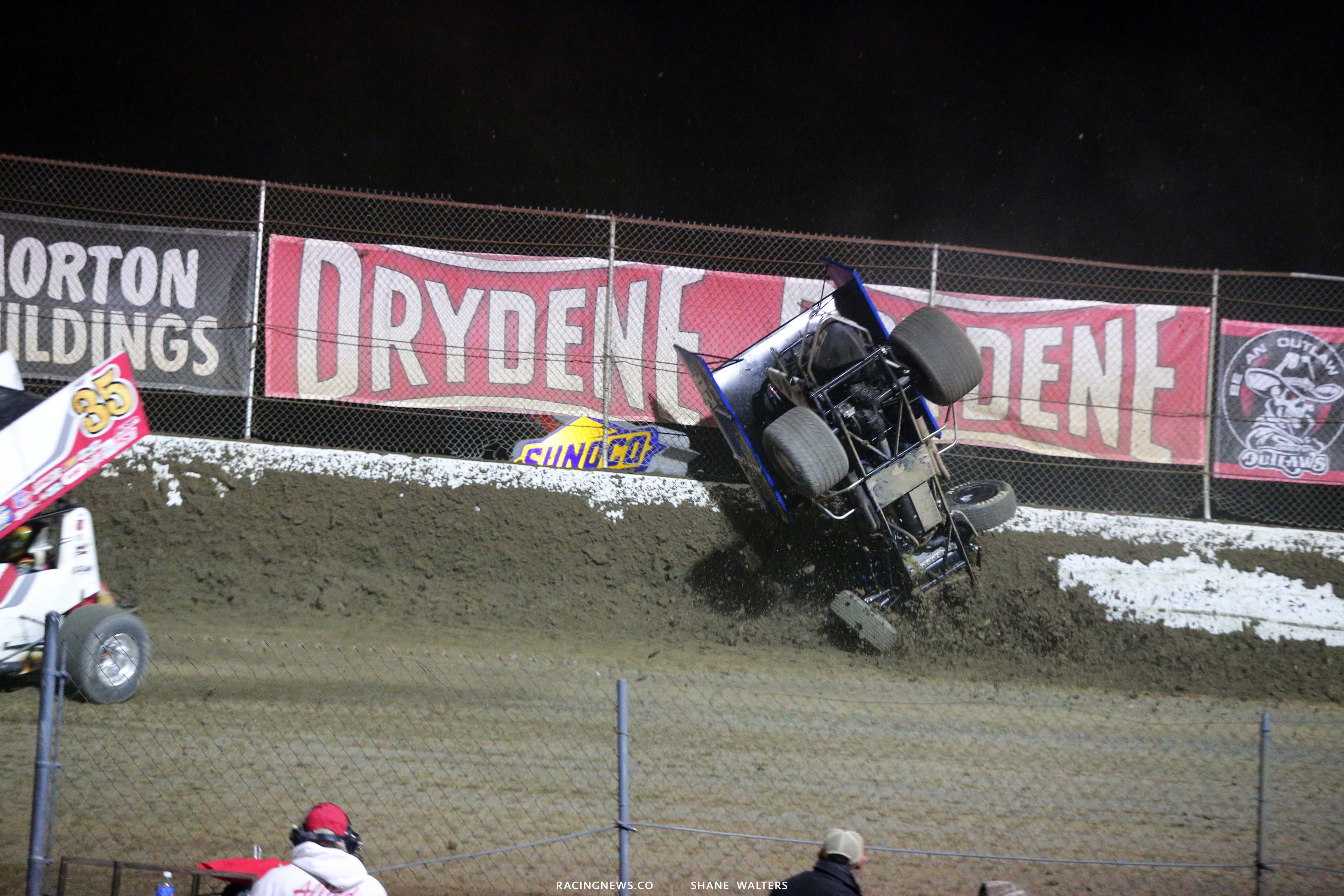 Noah Gass crash at I-55 Raceway - World of Outlaws Sprint Car Series