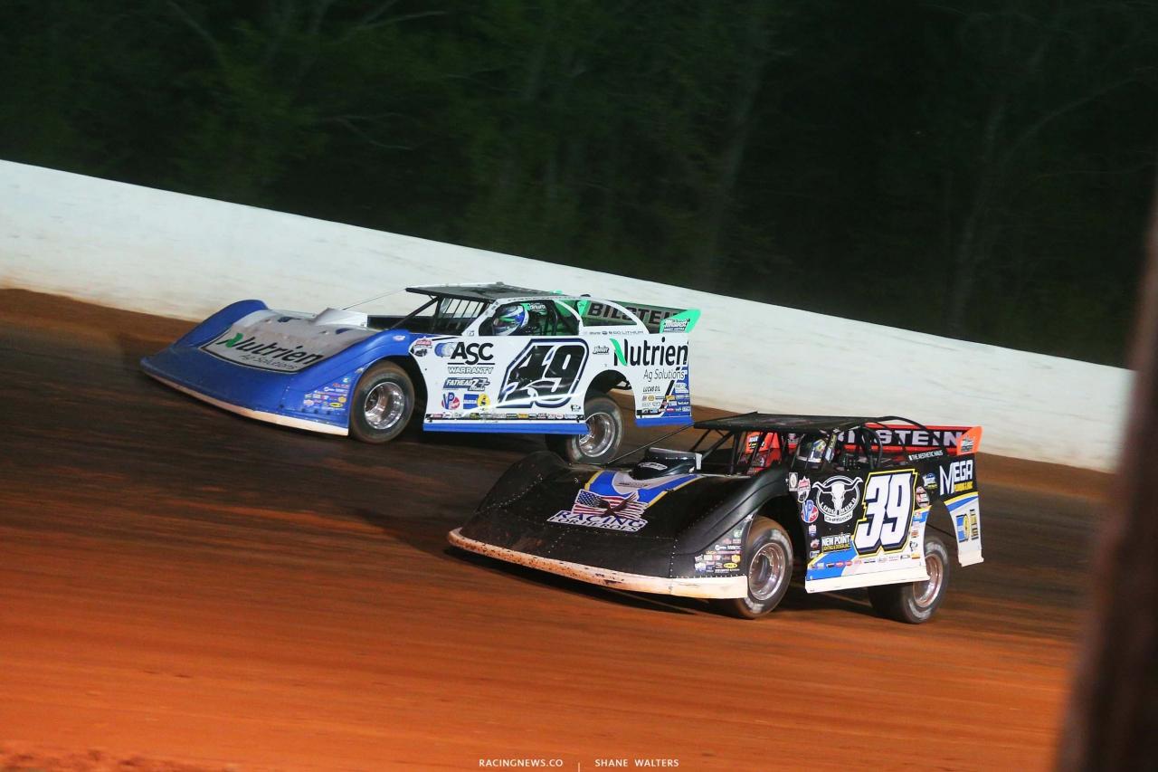 Tim McCreadie and Jonathan Davenport at Ponderosa Speedway - Dirt Late Model Racing - LOLMDS 5285