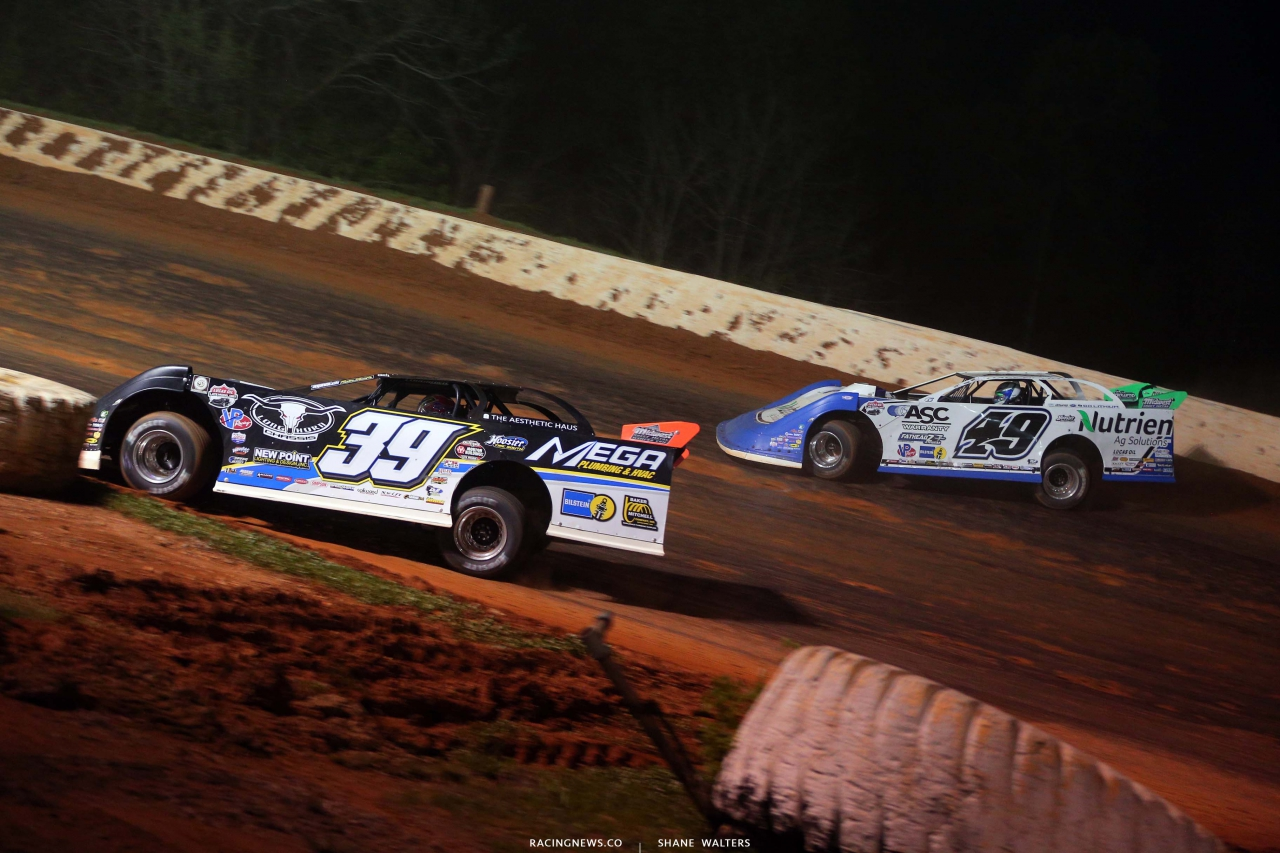 Tim McCreadie and Jonathan Davenport at Ponderosa Speedway - Dirt Track Racing - Lucas Oil Series 5291