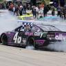 Alex Bowman burnout 2 - Dover International Speedway - NASCAR Cup Series