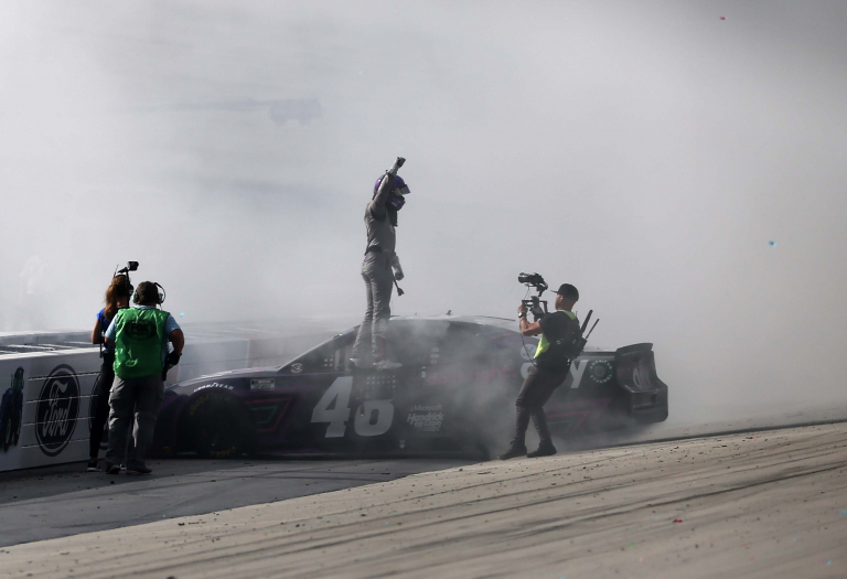 Alex Bowman win - Dover International Speedway - NASCAR Cup Series