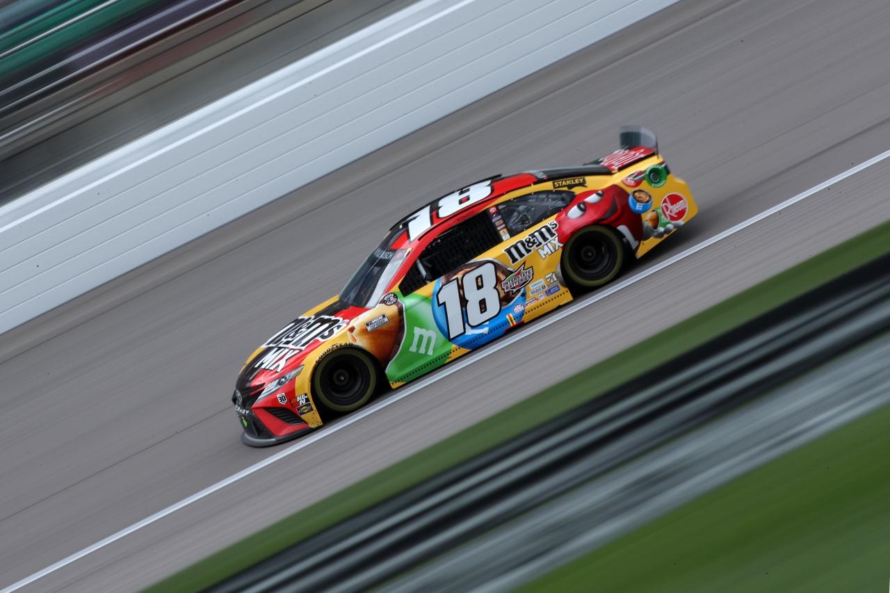 Kyle Busch - Kansas Speedway - NASCAR Cup Series