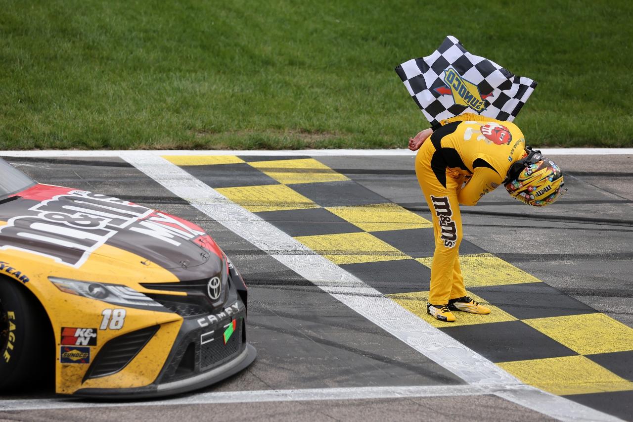 Kyle Busch bows after Kansas Speedway win - NASCAR Cup Series