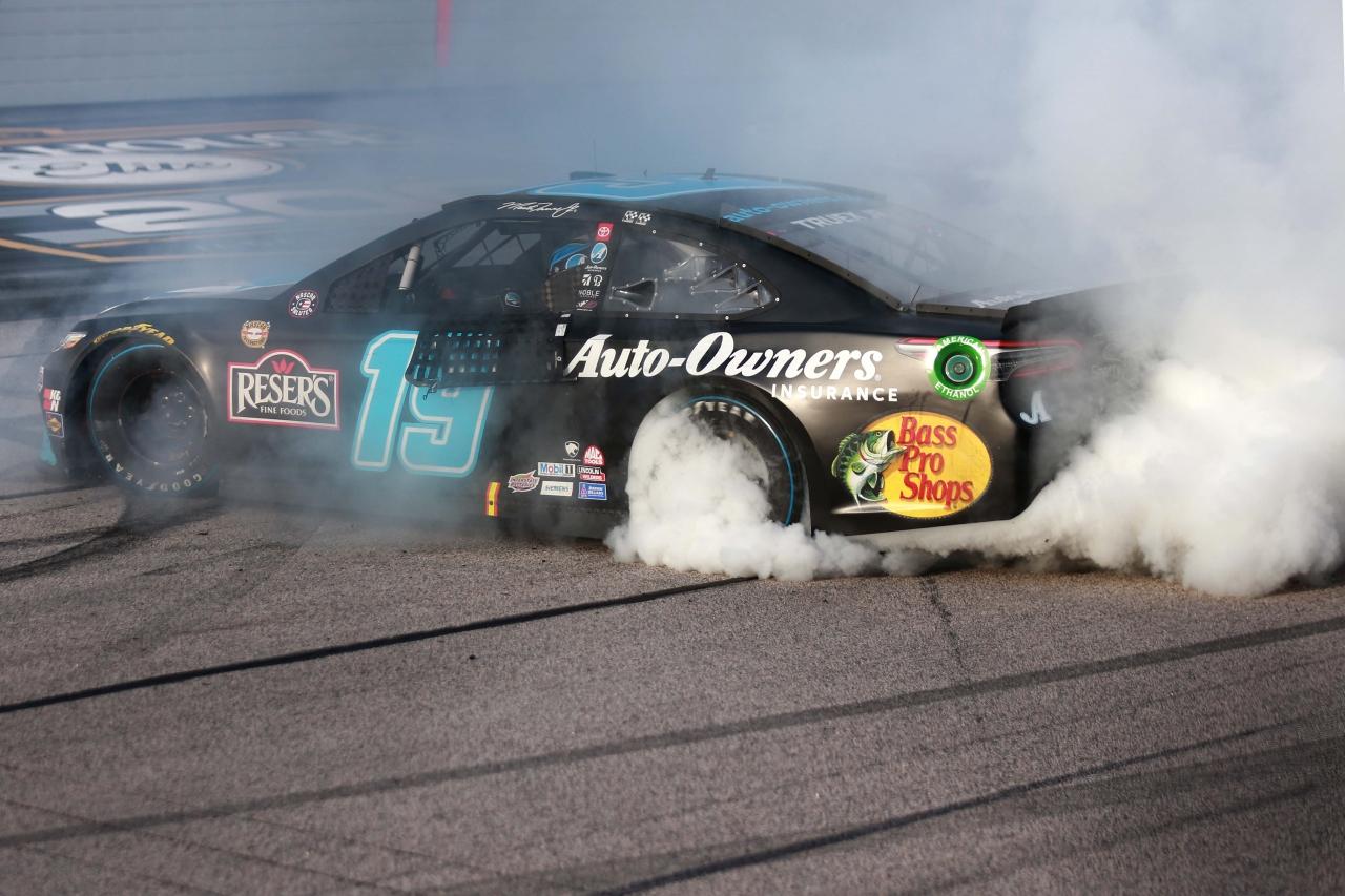 Martin Truex Jr burnout - Darlington Raceway _ NASCAR Cup Series
