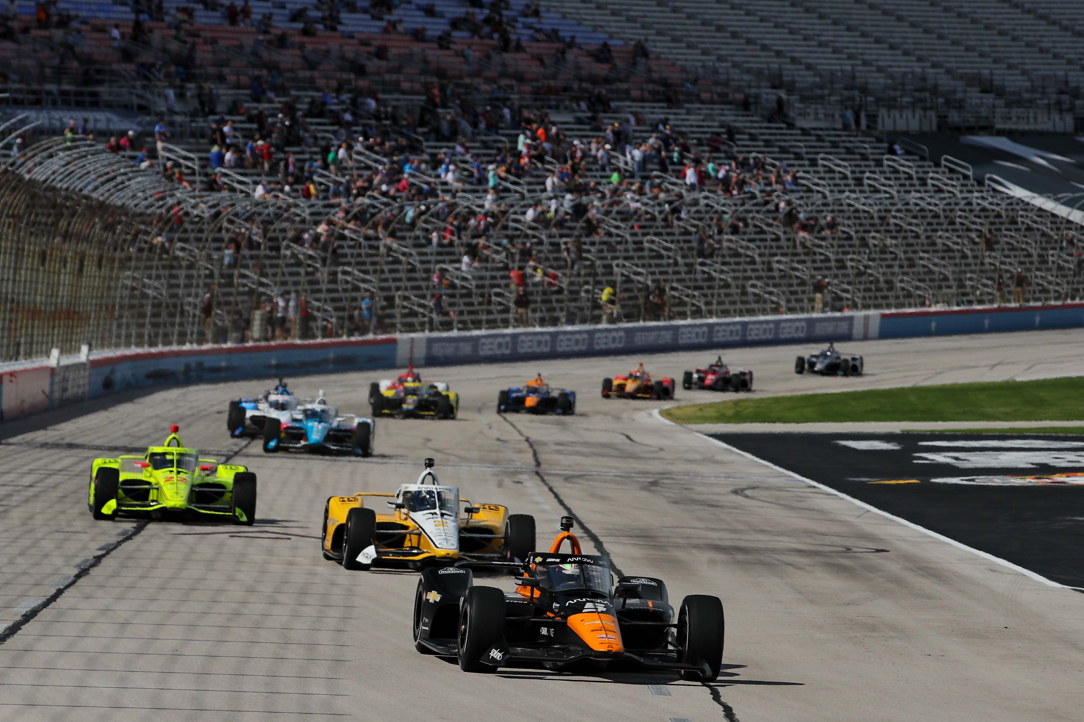Pato O'Ward leads at Texas Motor Speedway - Indycar Series