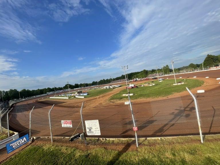 Sharon Speedway - Dirt Track
