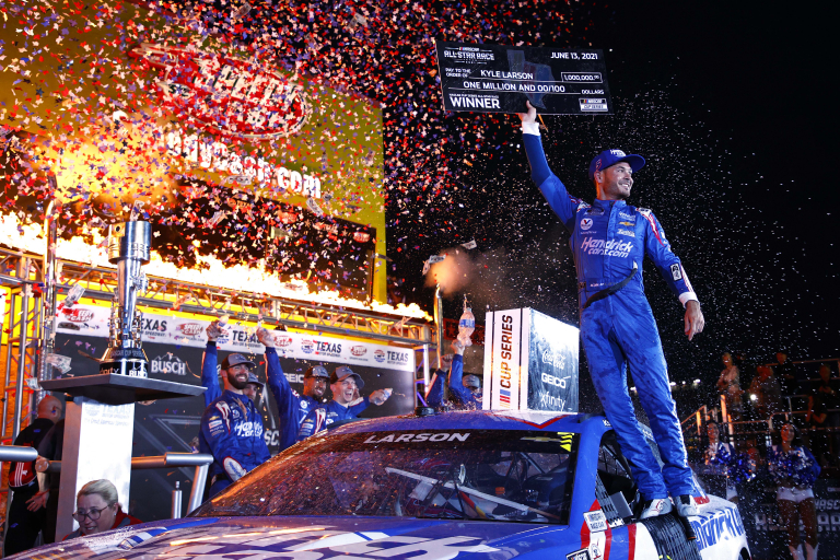 Kyle Larson 1 Million check - NASCAR All-Star Race - Texas Motor Speedway