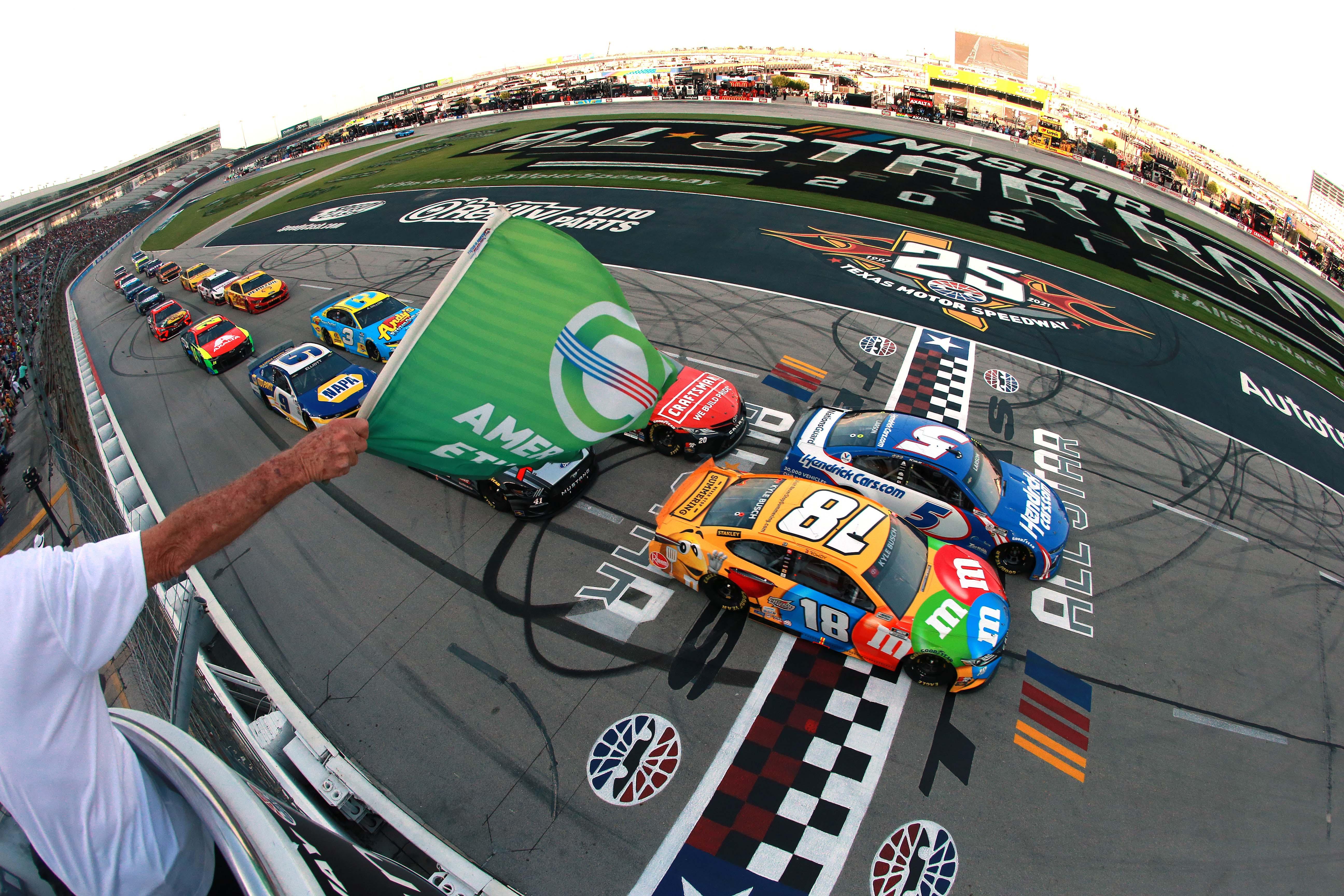 Kyle Larson, Kyle Busch - NASCAR All-Star Race - Texas Motor Speedway