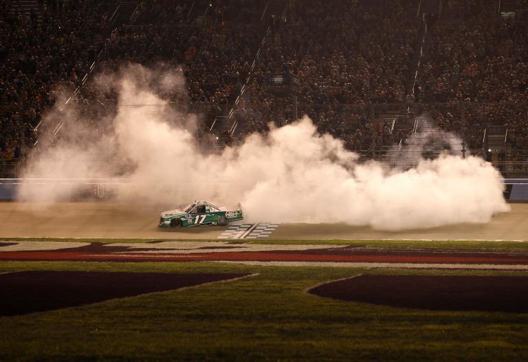 Ryan Preece wins - Burnout - Nashville Superspeedway - NASCAR Truck Series
