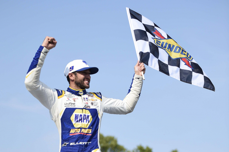 Chase Elliott with the flag - Road America - NASCAR Cup Series