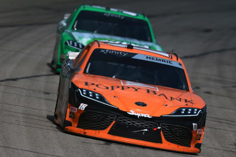 Daniel Hemric, Kyle Busch - Atlanta Motor Speedway - NASCAR Xfinity Series