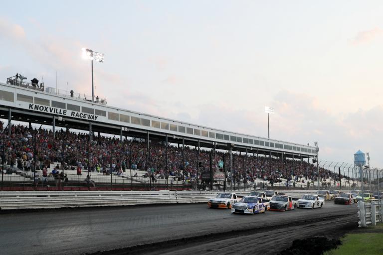 Derek Kraus, Tyler Ankrum - Knoxville Raceway Dirt Track - NASCAR Truck Series