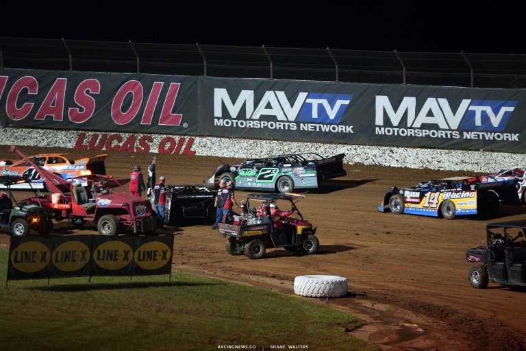 Hudson O'Neal and Josh Richards - Lucas Oil Speedway crash - LOLMDS 7491
