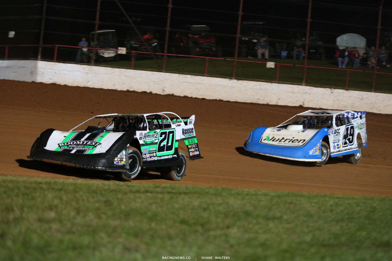 Jimmy Owens and Jonathan Davenport - Lucas Oil Speedway - Dirt Late Model Racing - LOLMDS 7439