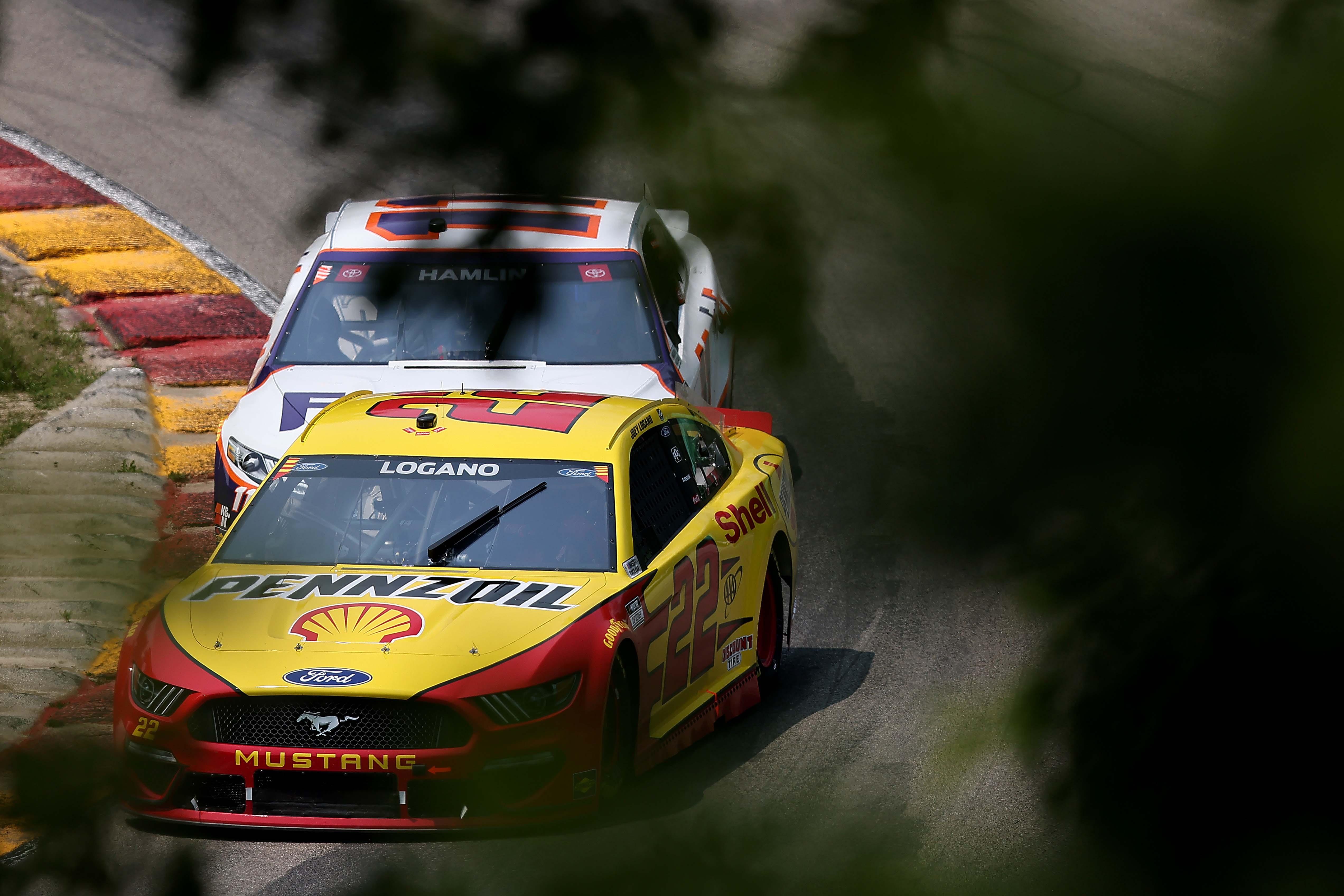 Joey Logano, Denny Hamlin - Road America - NASCAR Cup Series