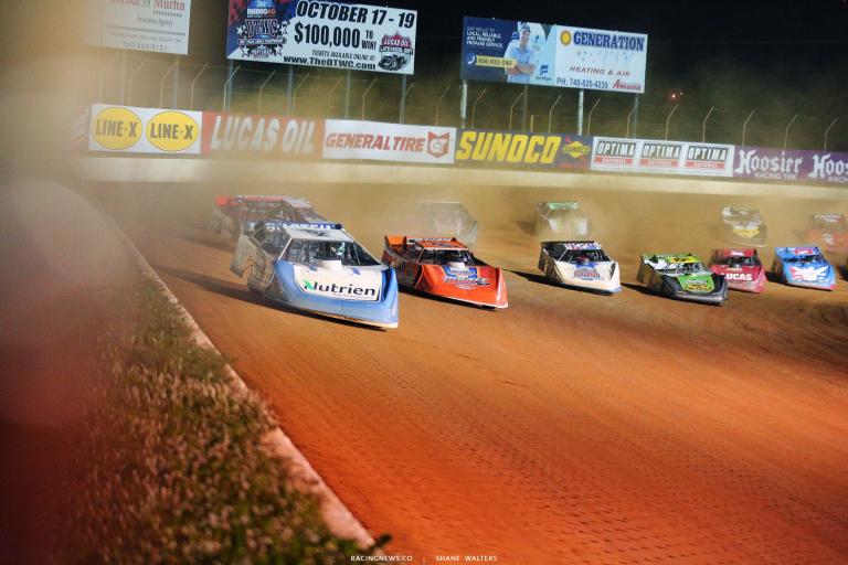 Jonathan Davenport ledsw Tim McCreadie and Kyle Bronson - Dirt Track Racing 7128