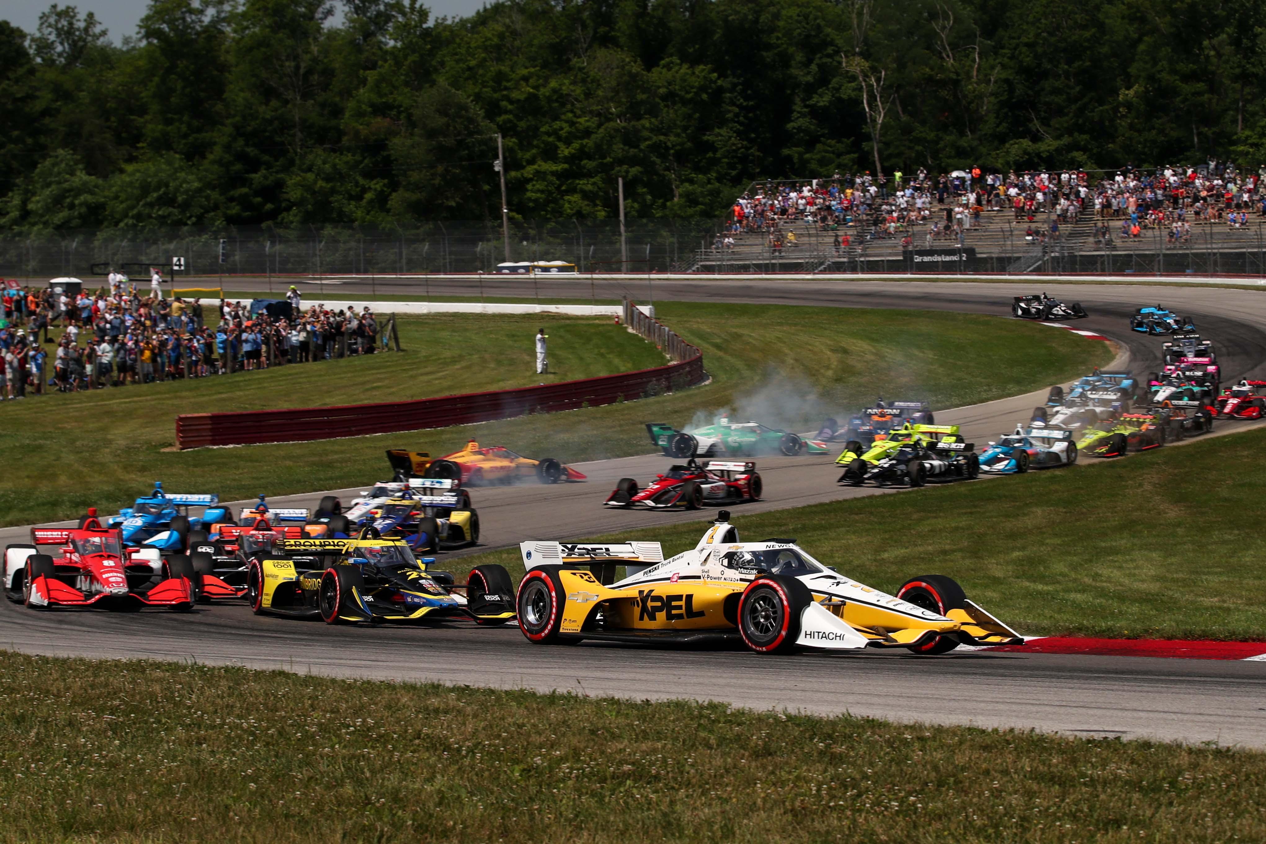 Josef Newgarden leads - Mid-Ohio - Indycar Series