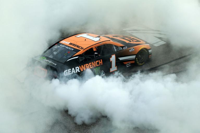Kurt Busch - Atlanta Motor Speedway - NASCAR Cup Series - Win Burnout