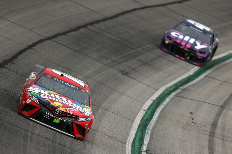 Kyle Busch, Alex Bowman - Atlanta Motor Speedway - NASCAR Cup Series