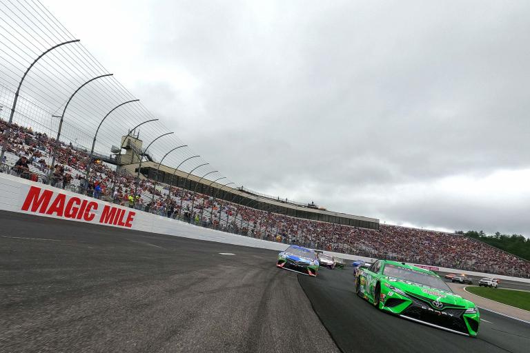 Kyle Busch, Martin Truex Jr - New Hampshire Motor Speedway - NASCAR Cup Series - Magic Mile