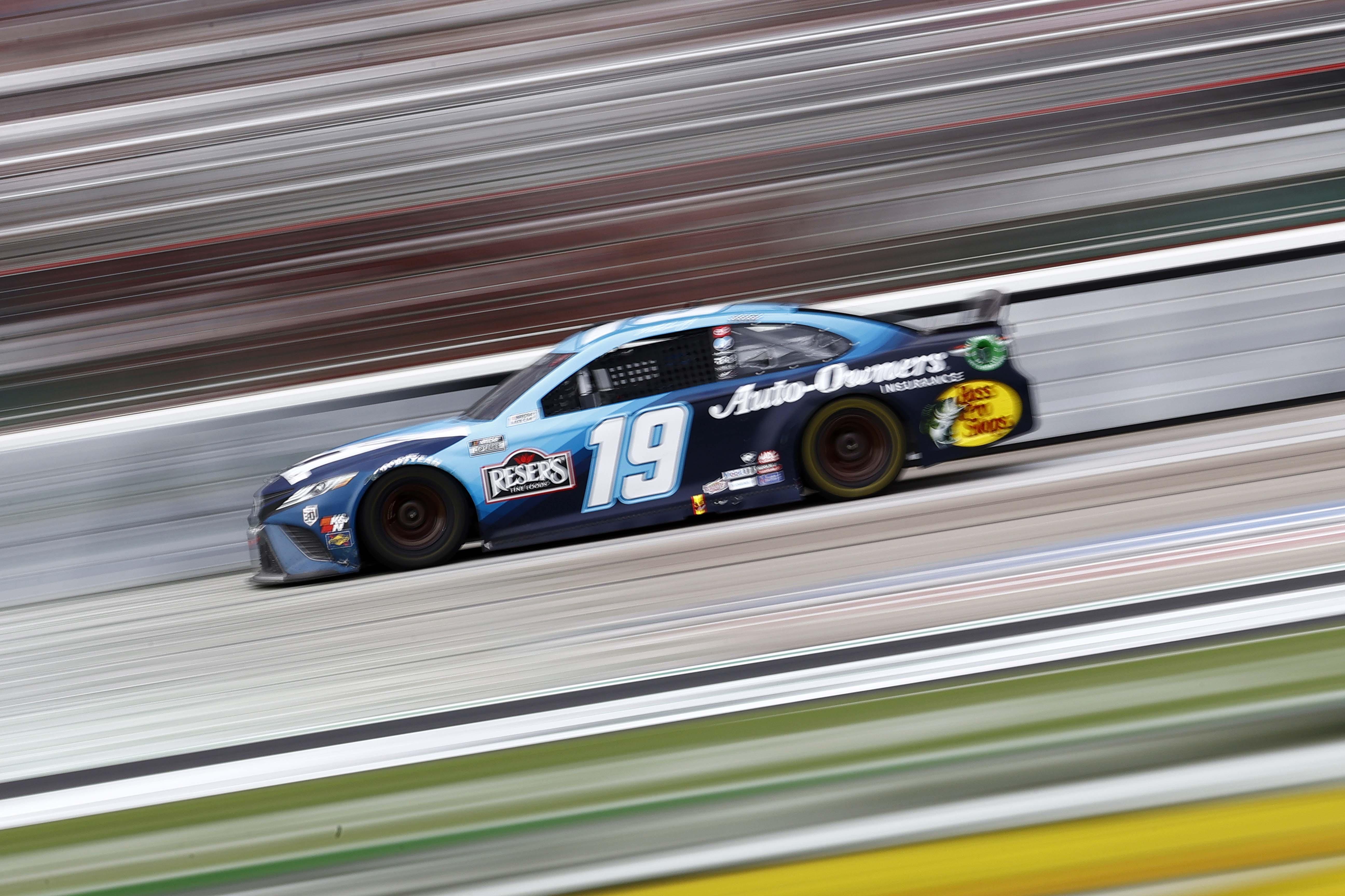Martin Truex Jr - Atlanta Motor Speedway - NASCAR Cup Series