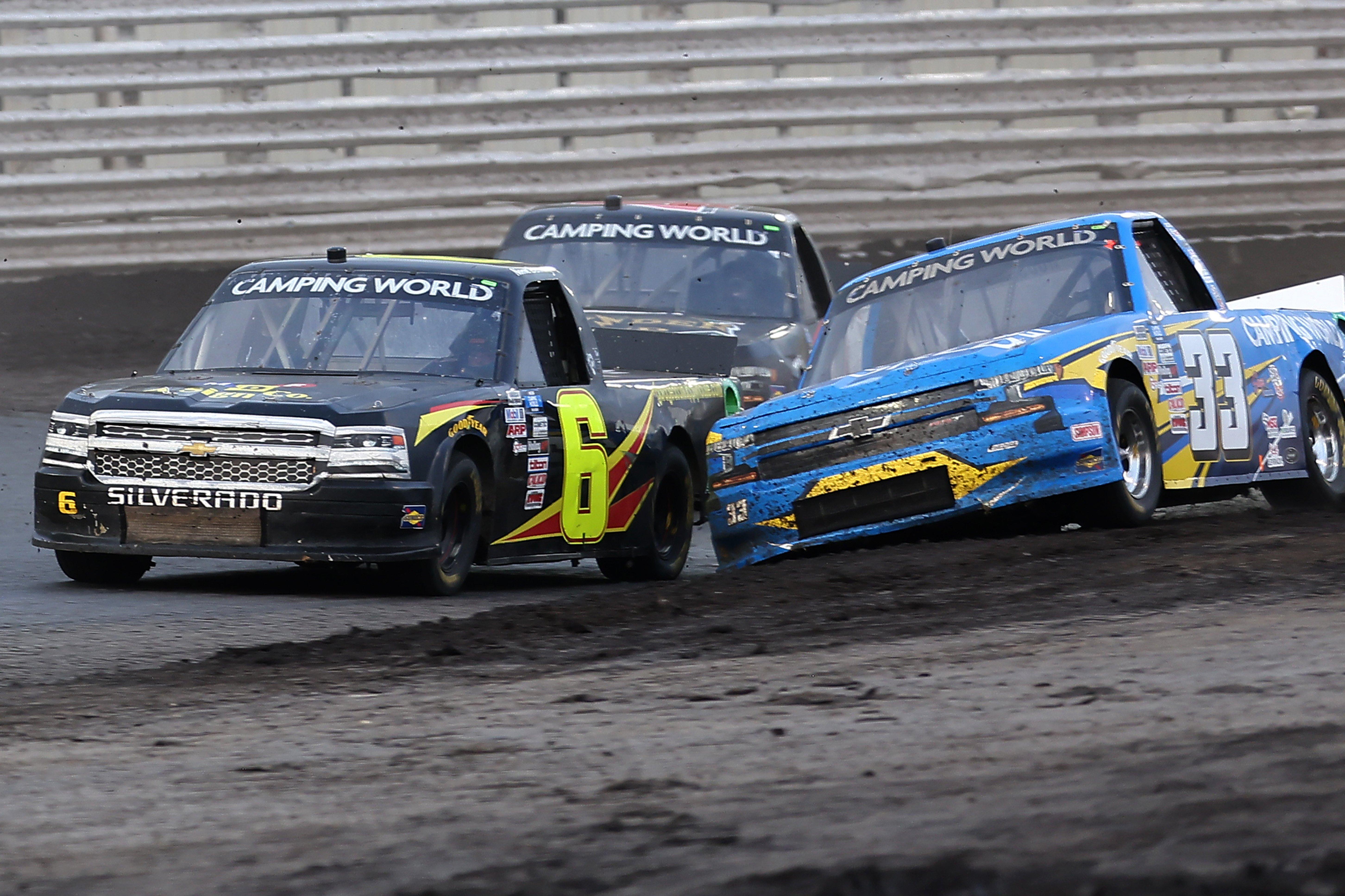 Norm Benning, Devon Rouse - Knoxville Raceway Dirt Track - NASCAR Truck Series