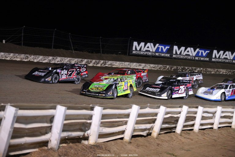 Tyler Erb and Ricky Weiss at I-80 Speedway - Dirt Late Model Racing 7909