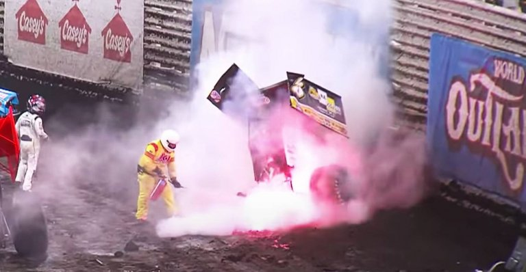 Knoxville Nationals - Sprint Car Fire