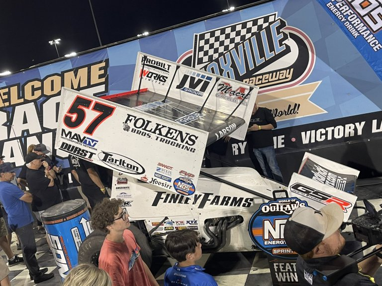 Kyle Larson wins the Knoxville Nationals - World of Outlaws