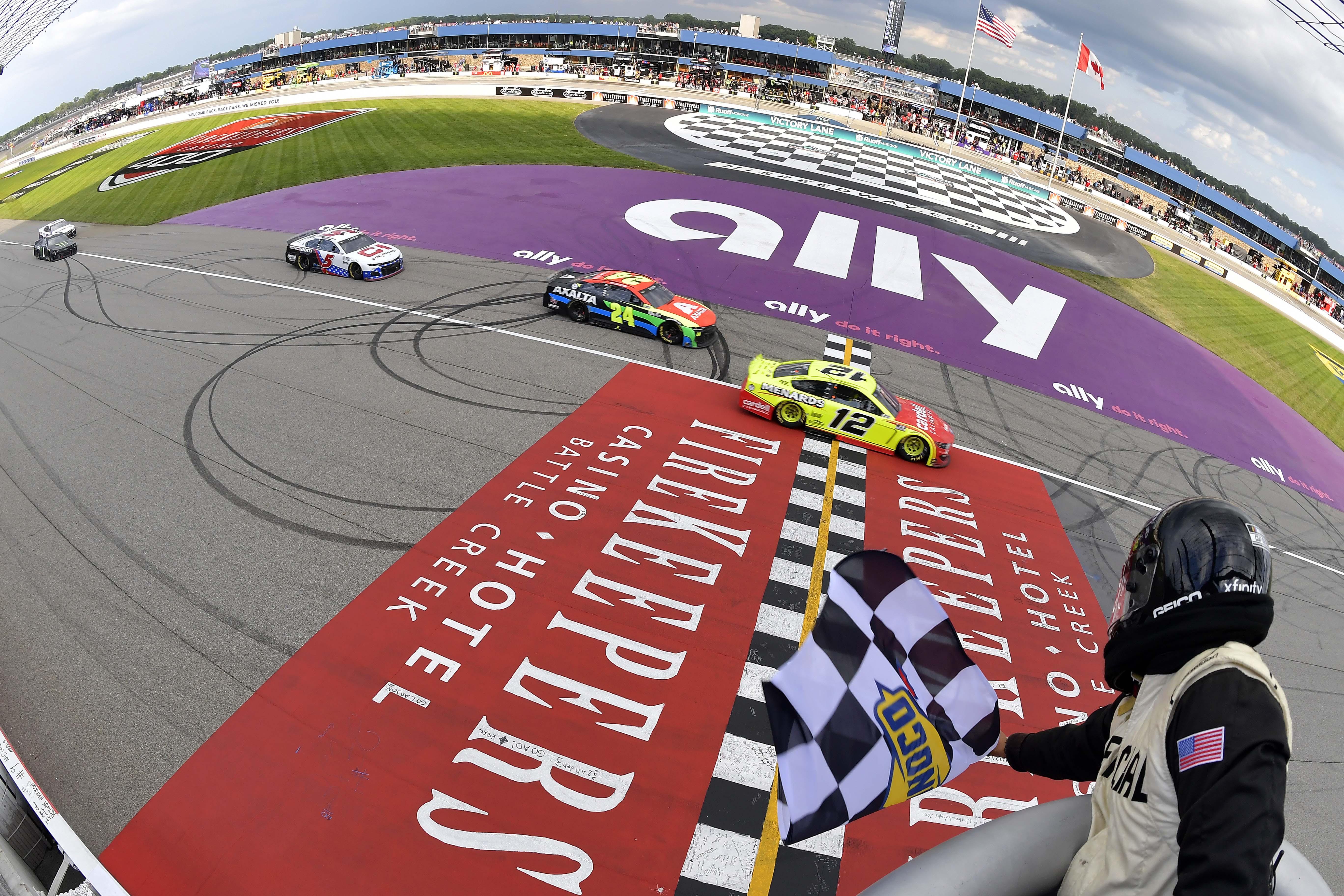 Ryan Blaney beats William Byron - Michigan International Speedway - NASCAR Cup Series