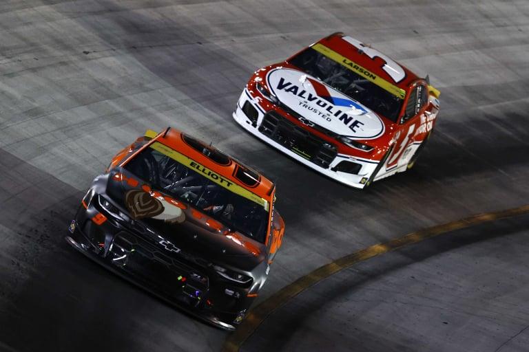 Chase Elliott, Kyle Larson - Bristol Motor Speedway - NASCAR Cup Series