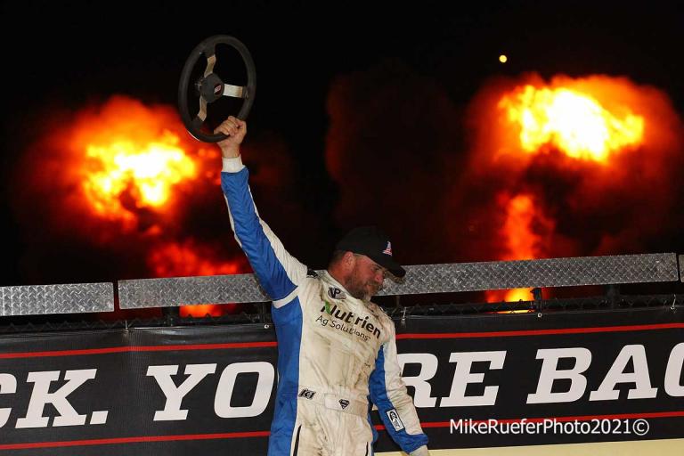 Jonathan Davenport - Victory Lane - Eldora Speedway