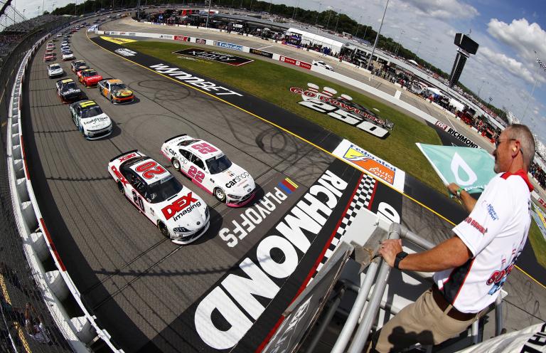 Richmond Raceway - NASCAR Xfinity Series - Green flag