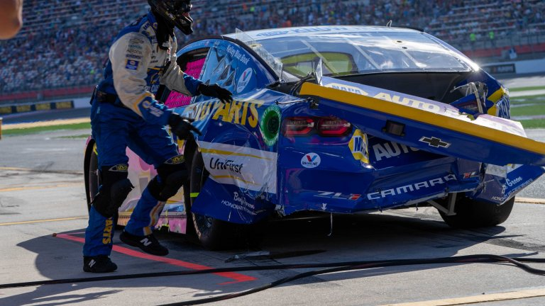 Chase Elliott chocado por Kevin Havick - Charlotte Motor Speedway ROVAL - NASCAR Cup Series 2