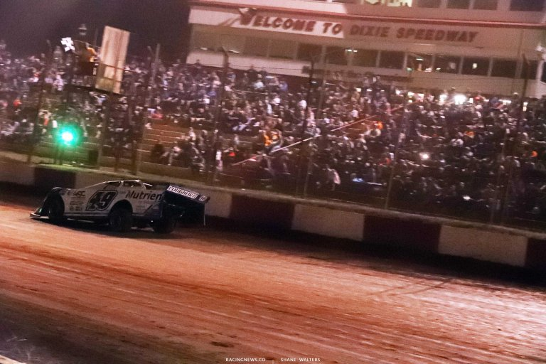Jonathan Davenport wins at Dixie Speedway - Lucas Oil Late Model Series A35I0504
